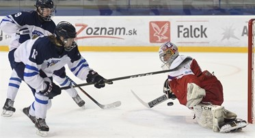 POPRAD, SLOVAKIA - APRIL 20: Czech Republic's Jakub Skarek #1 makes a glove save on Finland's Teemu Engberg #18 while his teammate Santeri Aalto #9 looks on during quarterfinal round action at the 2017 IIHF Ice Hockey U18 World Championship. (Photo by Andrea Cardin/HHOF-IIHF Images)