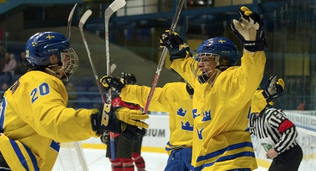 Swedes down Canada 7-3